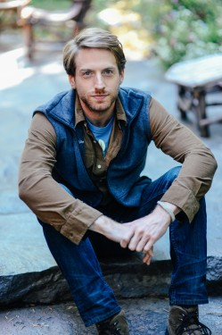 <strong>Fran Kranz </strong> as Sean Oakes